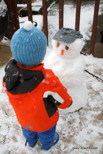 Snow Trains: seven ideas for bringing snow to train play (and trains to snow play) @ Play Trains