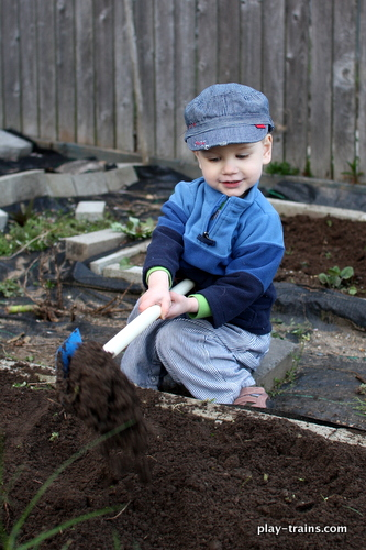Gardening with a Little Engineer @ Play Trains!