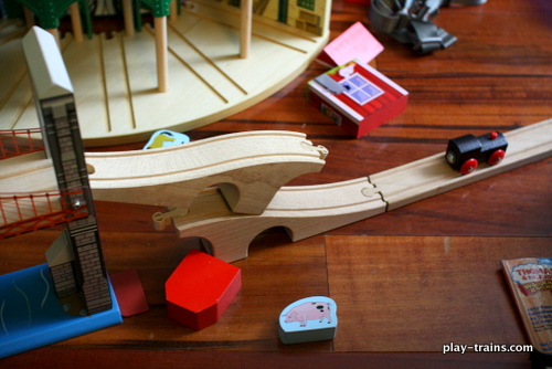 """The """"Bridge Drop"""", invented by the Little Engineer @ Play Trains!"""