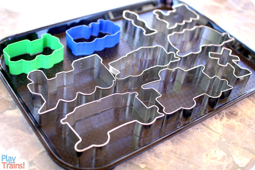 Fizzy Engine: Baking Soda & Vinegar Trains @ Play Trains! Fun summertime science for kids who love trains.