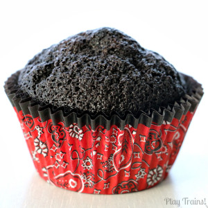 Coal-Black Chocolate Cupcakes for Christmas treats or train birthday parties from Play Trains!