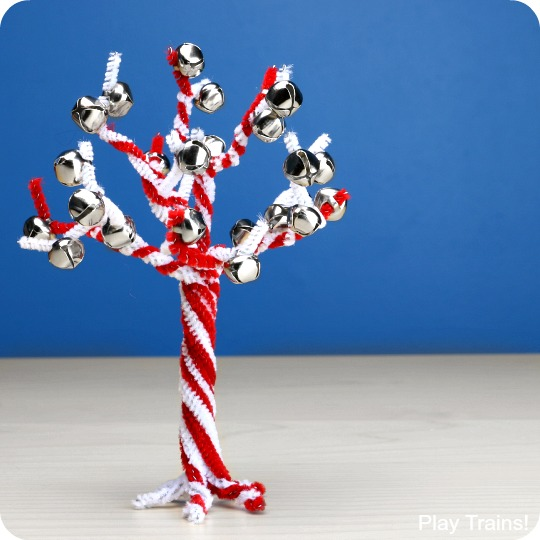 Jingle Bell and Candy Cane Pipe Cleaner Tree Craft from Play Trains!